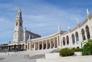 Lateral do Santuário de Nossa Senhora de Fátima - Fátima - Portugal